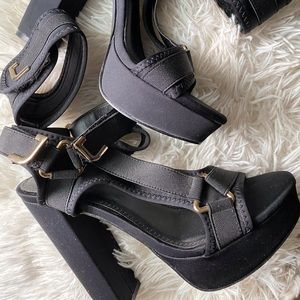 Shoes - Velcro Thick Strapped High Heels